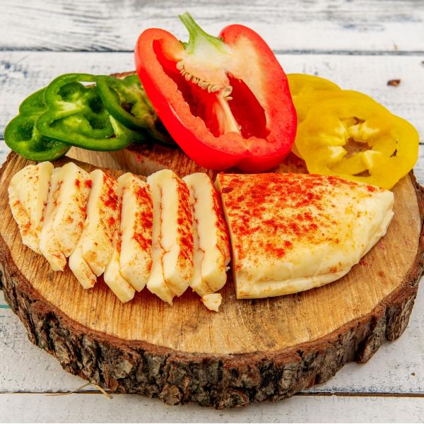 "Сыр Кипрский ""Халлуми"" для жарки с паприкой, 200 гр."