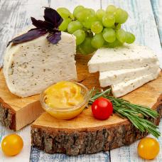 Сыр  козий с базиликом, 250 г.
