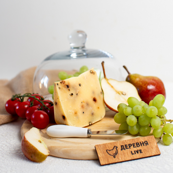 """Сыр """"Лучинский с перцем"""" выдержанный, 250 гр."""