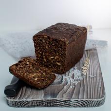 Хлеб солодовый из органической муки с семечками, 400 гр.