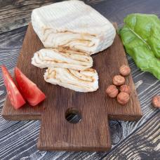 Сыр проволоне с паприкой и вялеными томатами, 320 гр.