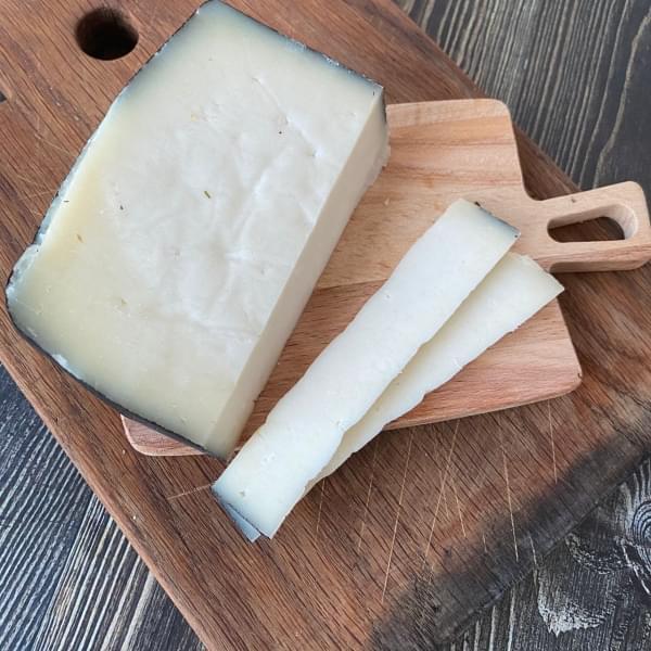 Сыр твёрдый из КОЗЬЕГО МОЛОКА, 480 гр.