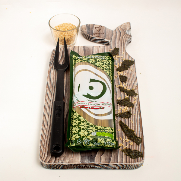 Лапша из коричневого риса и водорослей вакамэ ОРГАНИЧЕСКАЯ, 250 гр.